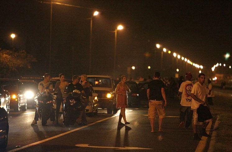 Incidenti spettacolari moto: in Malesia gare clandestine [VIDEO]