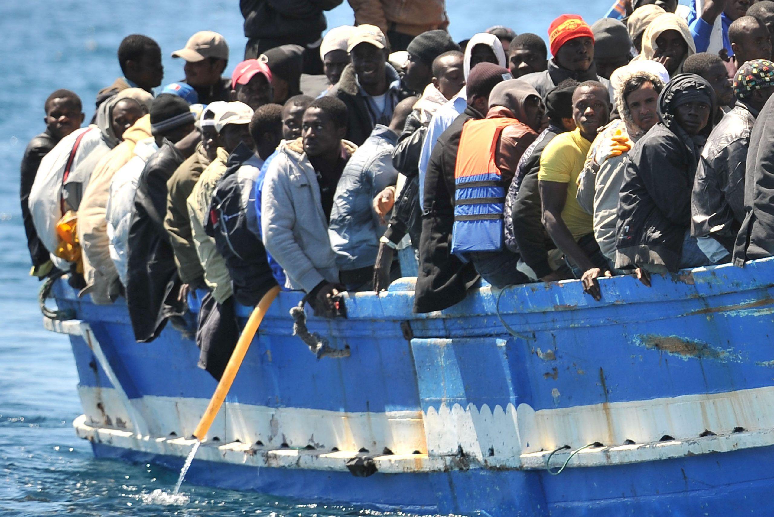 Migranti: 12000 cittadini islandesi offrono casa ai rifugiati siriani