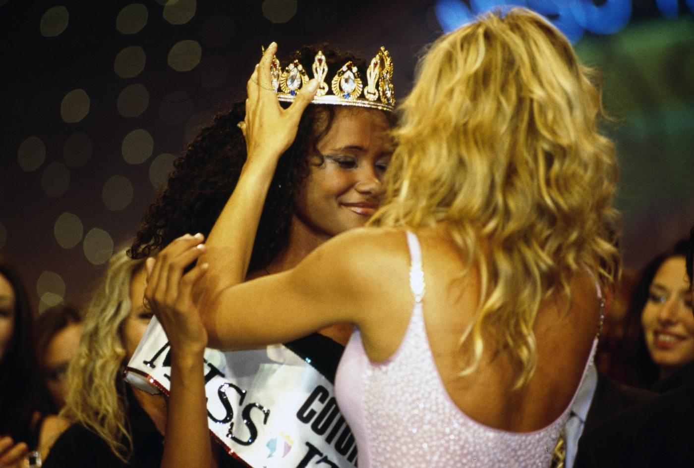 Miss italia 2015: concorrenti non abbastanza italiane?