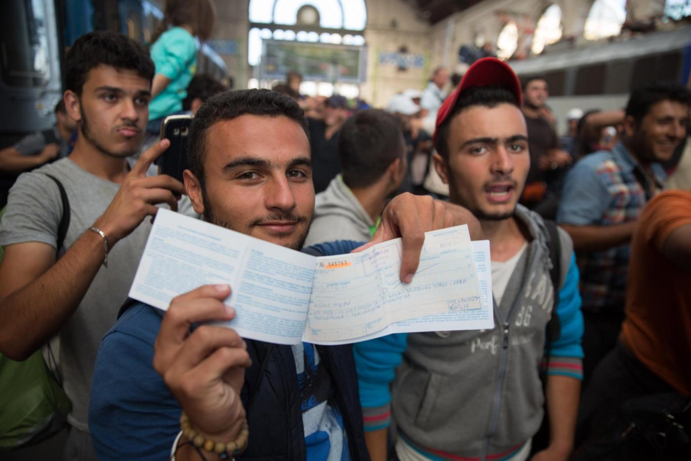 Profughi siriani affollano la stazione di Budapest 2