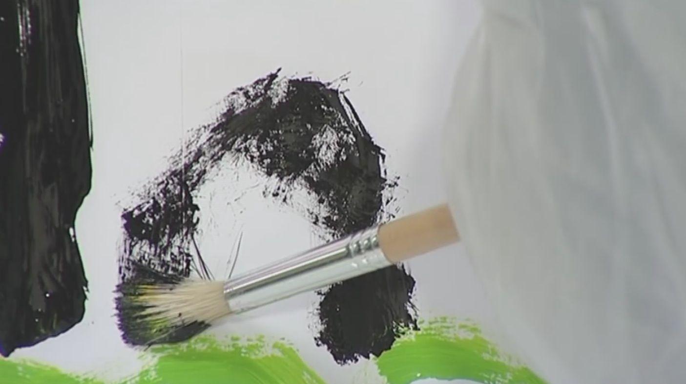Il robot che dipinge ispirandosi al movimento degli occhi