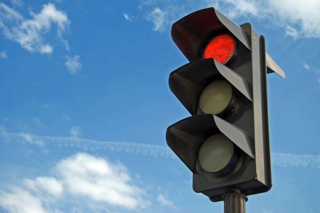 Semaforo rosso: il pedone se attraversa ha torto