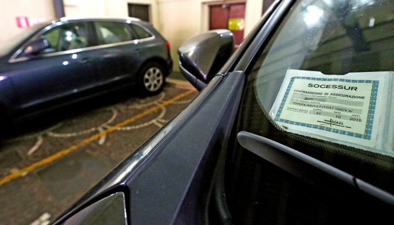 Tagliando RC Auto: non sarà più obbligatorio esporlo