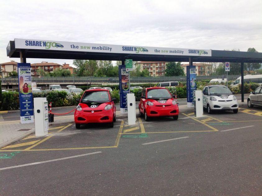 Car sharing in Italia, boom di iscritti: 1 su 100 sceglie la condivisione