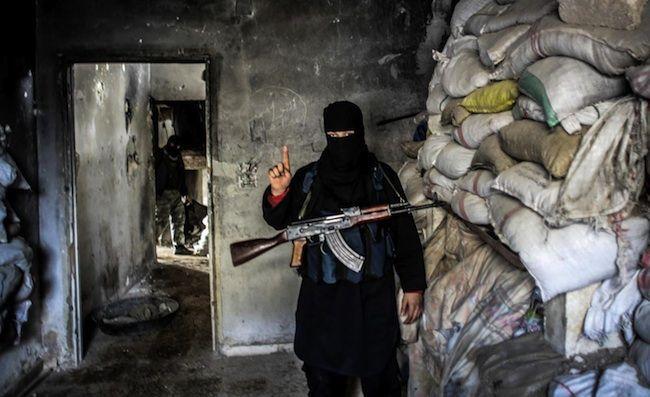 Perché l'Isis non viene fermato? Cause e interessi occulti