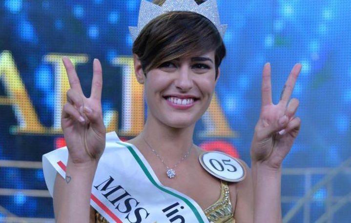 Miss Italia, Alice Sabatini replica alle accuse: 'Scusate se ho 18 anni'