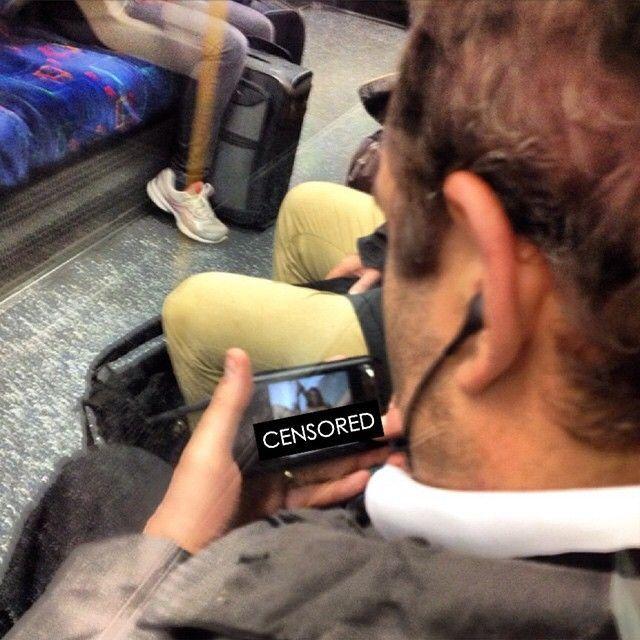 Film a luci rosse in metro