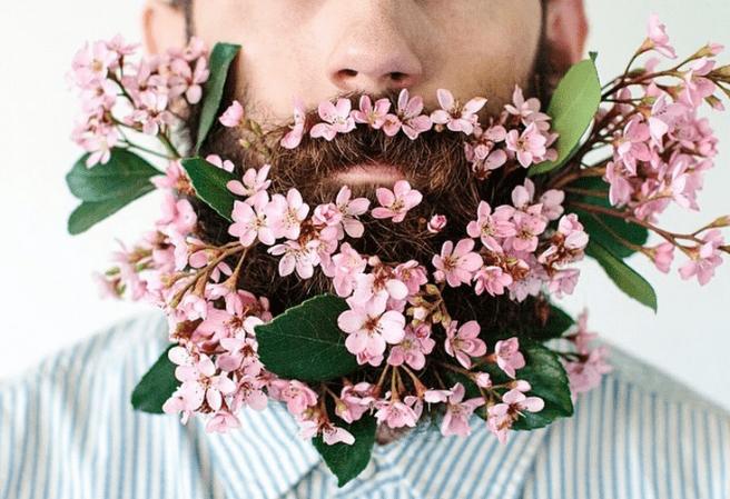 Fiori nella barba