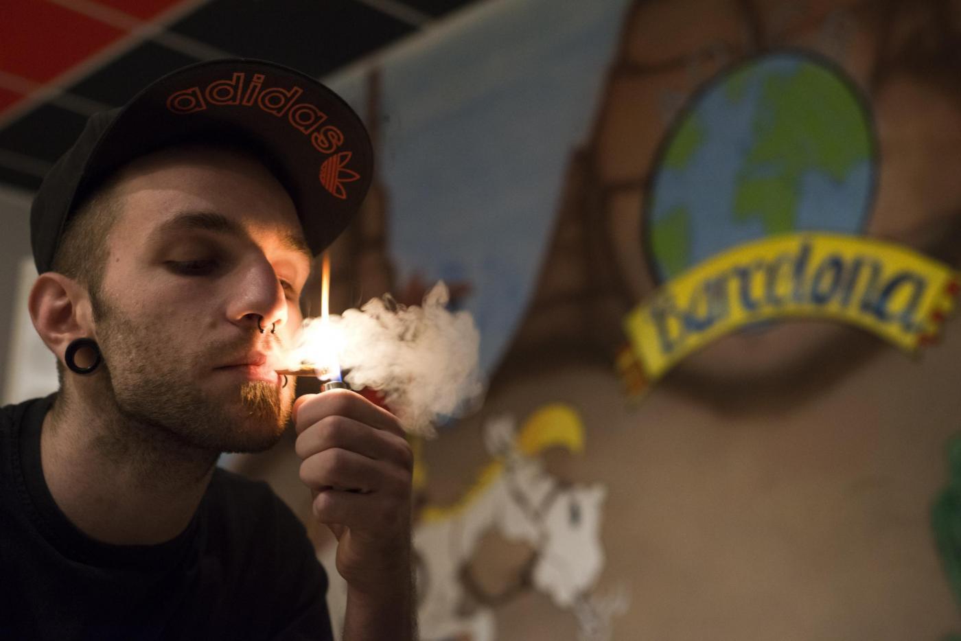 Fumare marijuana 150x150
