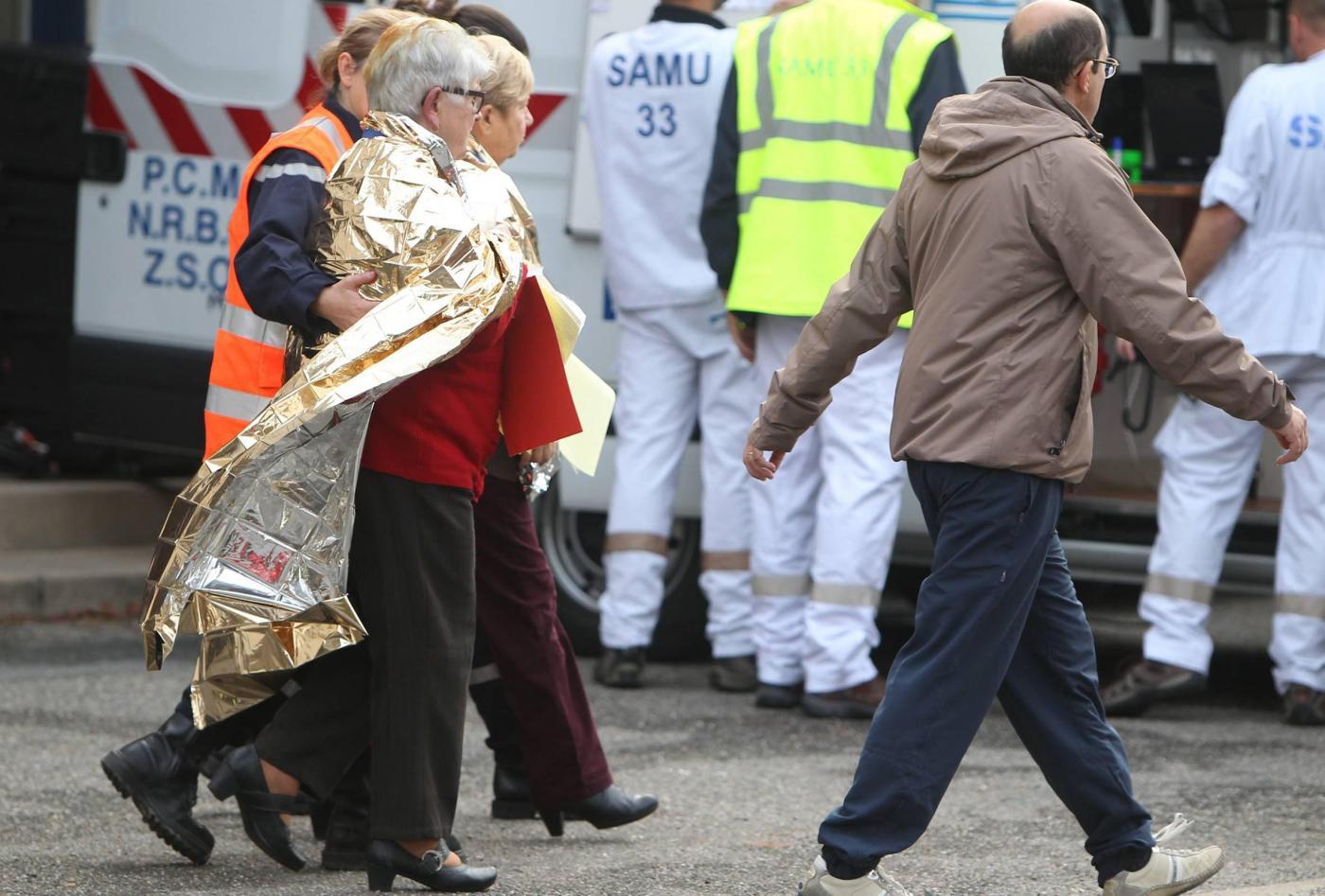 Scontro camion autobus in Francia: sono almeno 42 i morti
