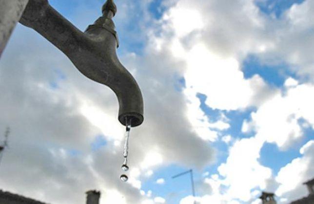 Messina ancora senz'acqua e gli sciacalli prendono piede