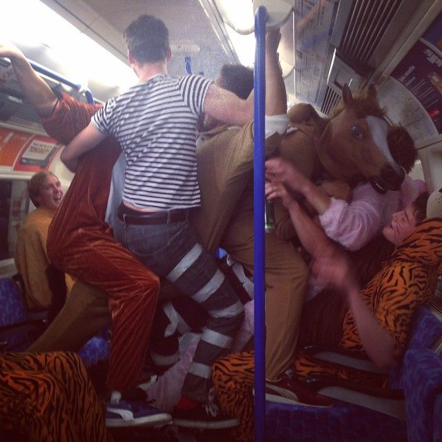 Party in metro