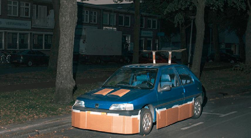 Foto auto da Tuning: Max Siedentopf usa il cartone