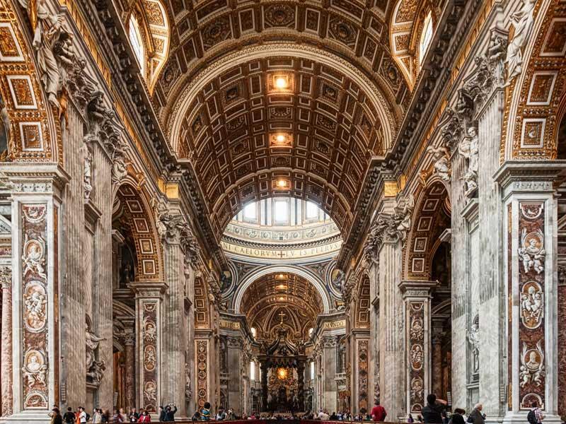 Roma Basilica di San Pietro Interno