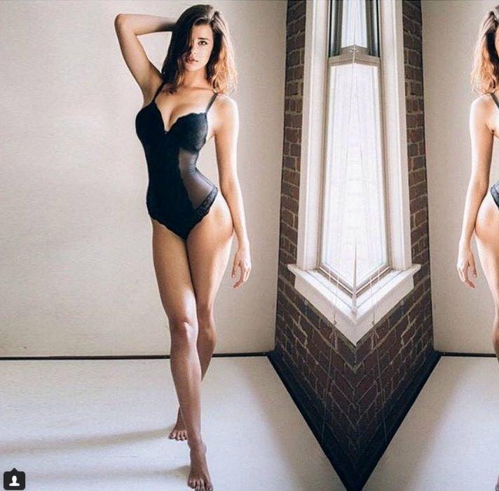 Sarah McDaniel sensualissima
