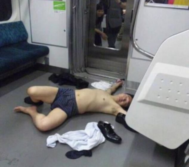 Ubriaco in metro