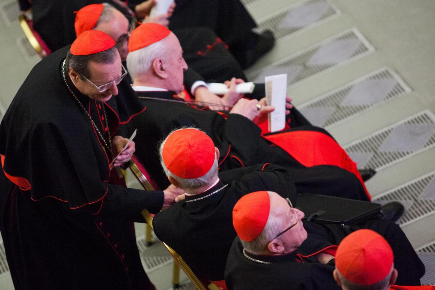 Famiglie in crisi economica: i vescovi pagheranno le bollette di luce e gas