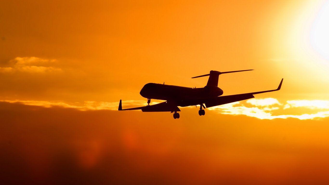 Volare low cost: sempre più iniziative per vedere il mondo spendendo poco
