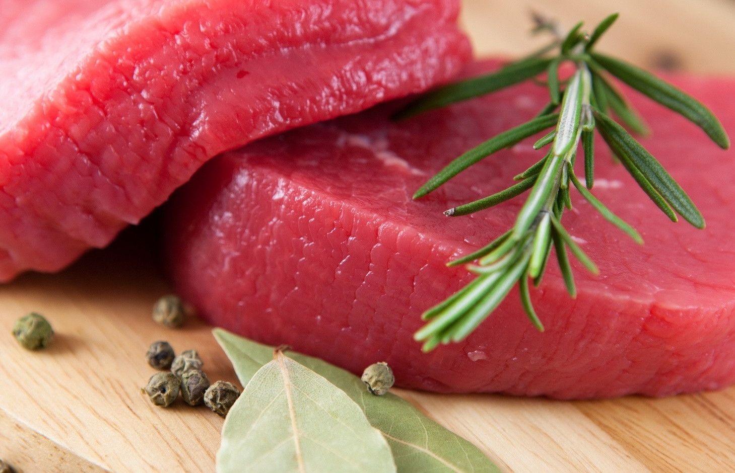 Carne rossa e cancro: i numeri reali del rischio