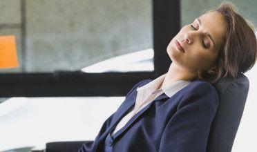dormire seduti rughe