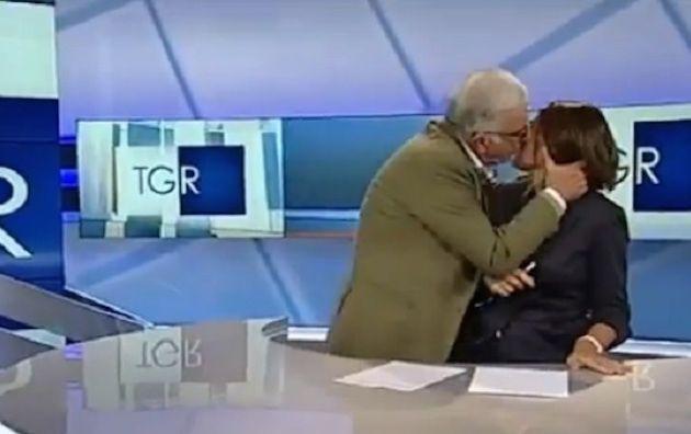 Gene Gnocchi a sorpresa sul TgR Puglia: il comico bacia la conduttrice in diretta