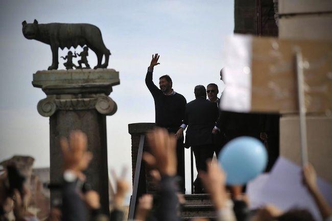 Ignazio Marino dimissioni ritirate, ma decade comunque da Sindaco di Roma