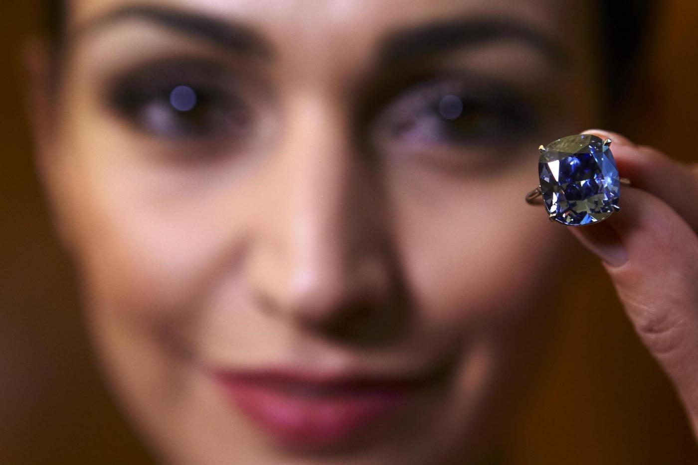 Blue Moon Diamond all'asta da Sotheby's a Ginevra