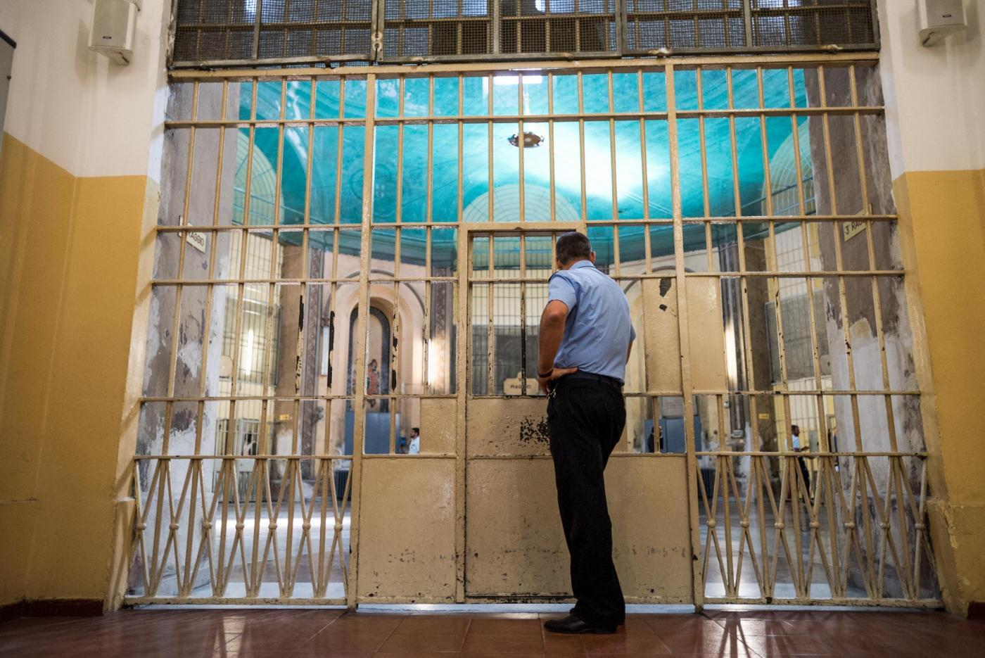 Stanze dell'amore in carcere: così i carcerati potranno avere rapporti sessuali