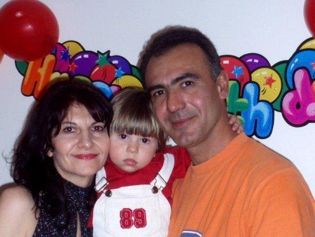 Figlio muore di tumore genitori si impiccano