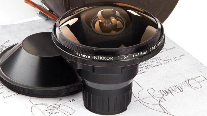 """L'obbiettivo Nikon più raro al mondo, che """"vede"""" dietro se stesso"""