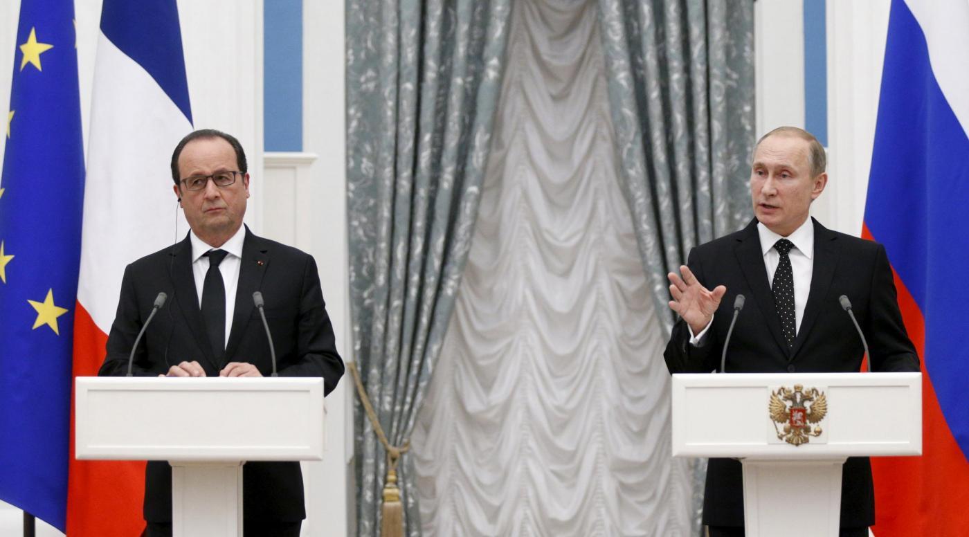 Mosca, conferenza stampa Putin Hollande al Cremlino
