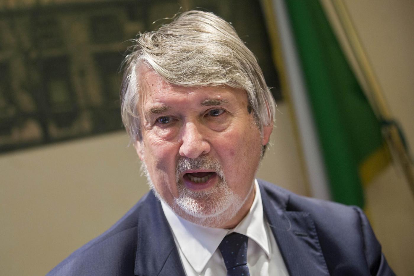 Poletti critica chi si laurea a pieni voti a 28 anni: 'Meglio a 21 con 97'