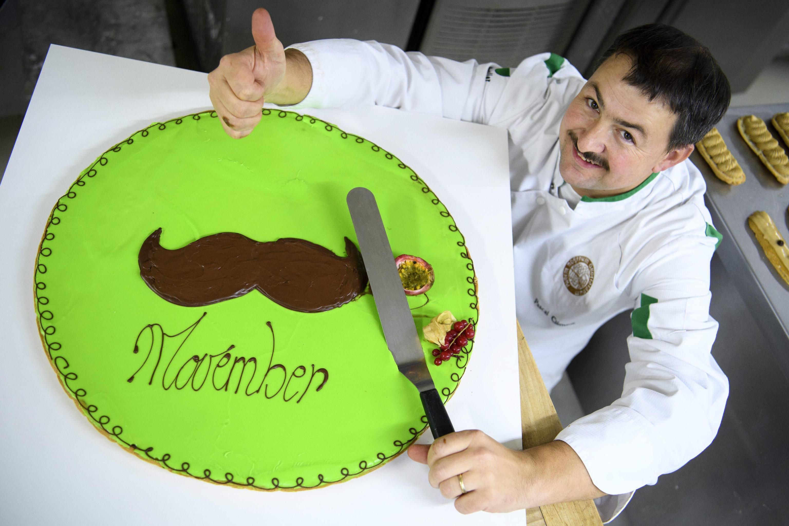 """Movember: cos'è e a cosa serve il """"mese con i baffi""""?"""