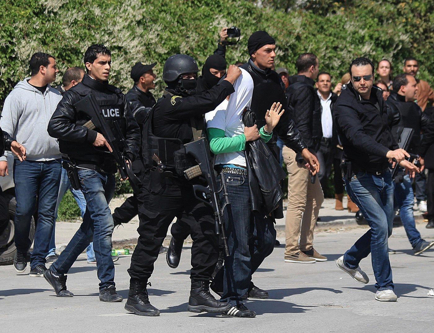 Terrore a Tunisi   Attacco al Museo Bardo   L'arresto di uno dei terroristi