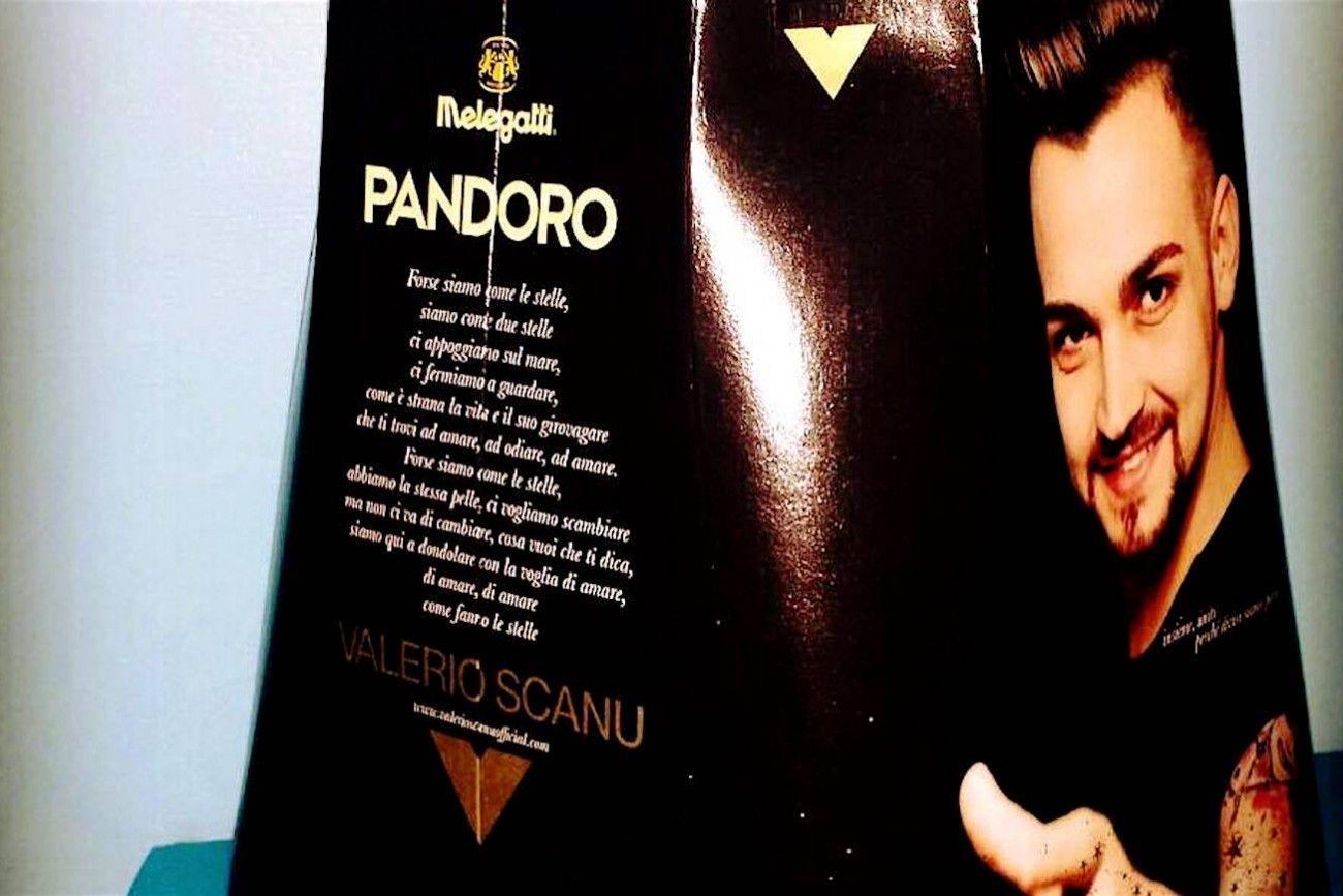 Valerio Scanu: il pandoro Melegatti non piace a Selvaggia Lucarelli