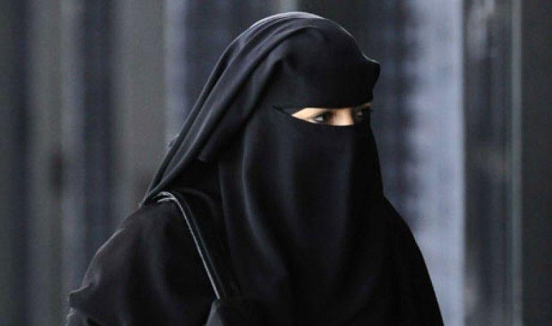 Venezia no al burqa