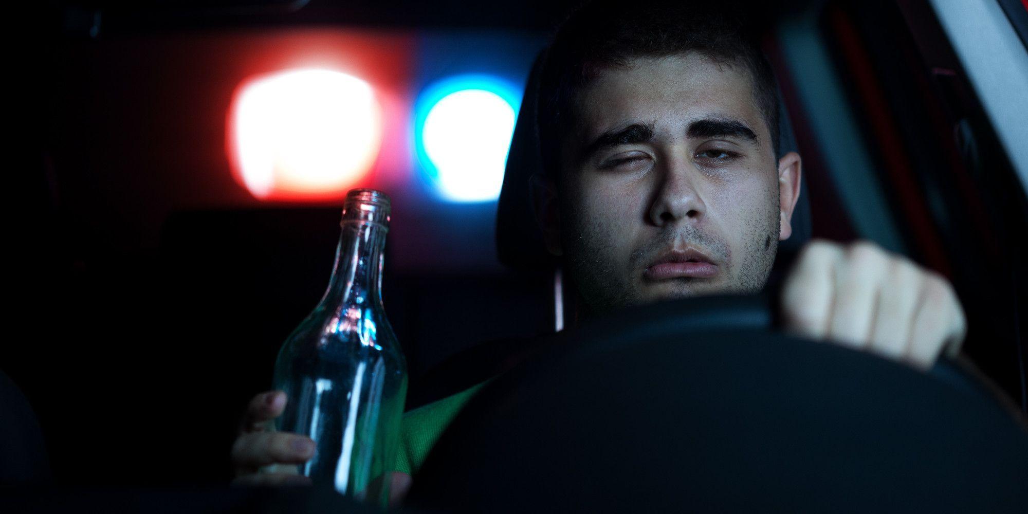 Alcol test: mangia carta igienica per evitarlo