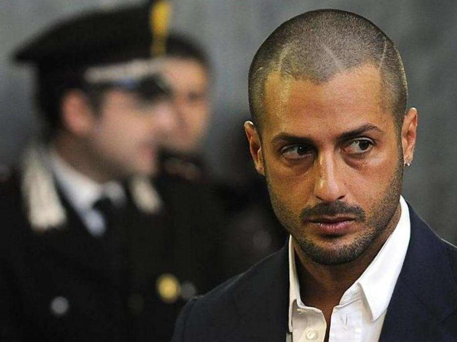 Fabrizio Corona: foto sui social network nonostante il divieto