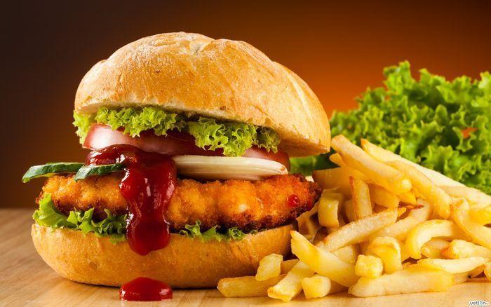 10 cose inquietanti che puoi trovare nei fast food