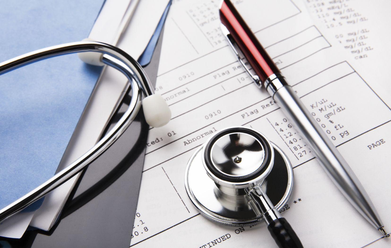 Liste d'attesa nella sanità in Italia troppo lunghe: il 41% delle famiglie rinuncia alle cure