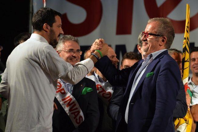 Scandalo rimborsi elettorali Lega, Bossi chiama in causa anche Salvini e Maroni