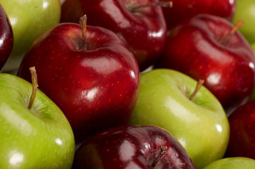 Pesticidi nelle mele europee: i risultati dello studio di Greenpeace