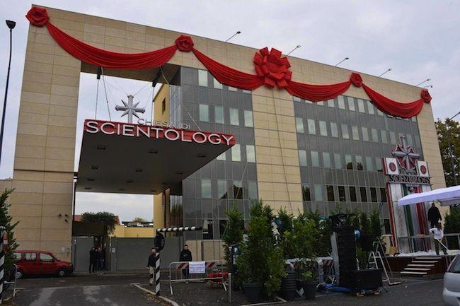 Scientology in Italia, a Milano la chiesa più grande del mondo: la rabbia dei musulmani