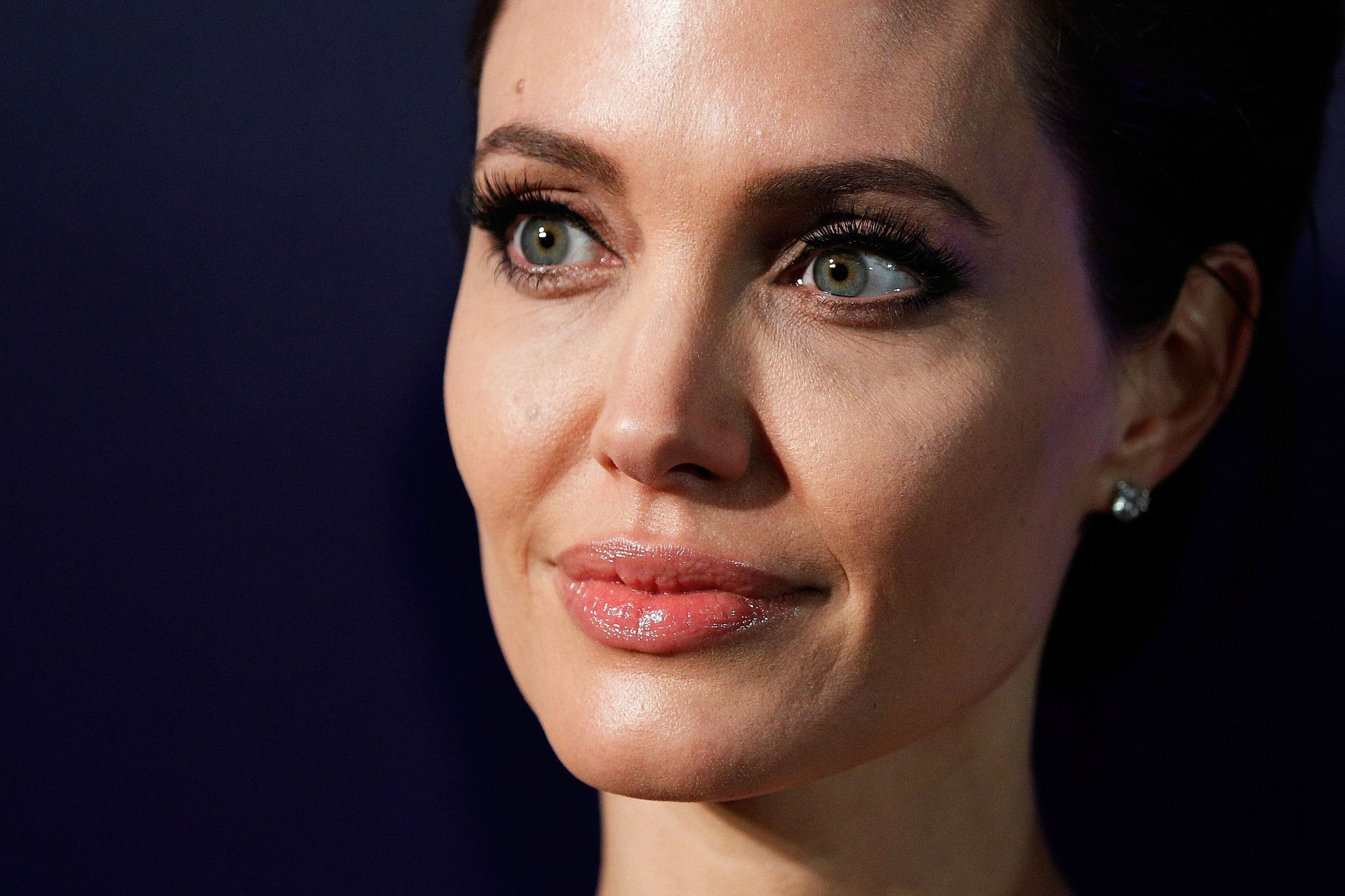 Angelina Jolie dimagrita e sciupata: per l'attrice scatta l'allarme anoressia
