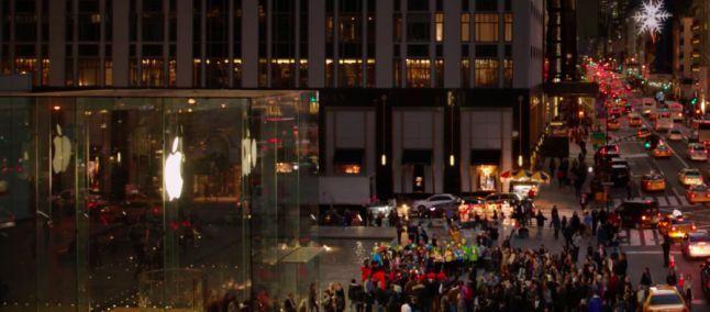 Microsoft e la pace con Apple nel video di Natale 2015