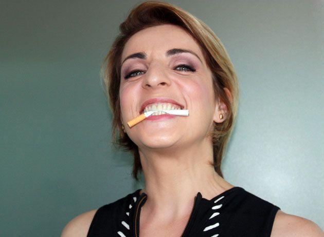 Elena Di Cioccio fumatrice