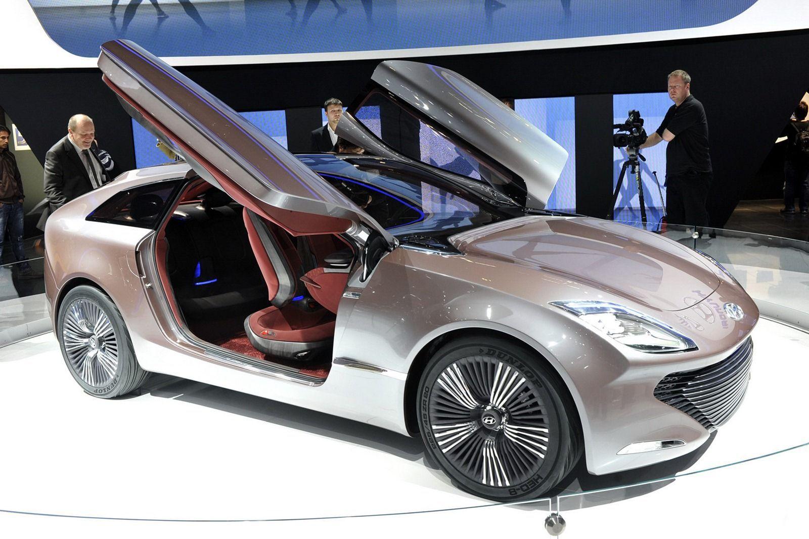Hyundai Ioniq: pronta per il 2016 la berlina a zero emissioni