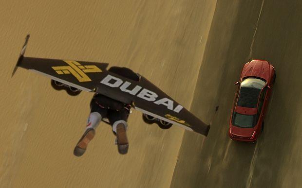 Gara di velocità: Jaguar contro Jetman, chi vince?