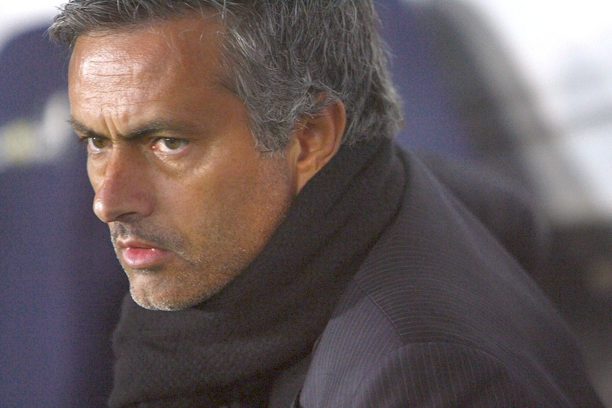 Chelsea, esonerato Josè Mourinho