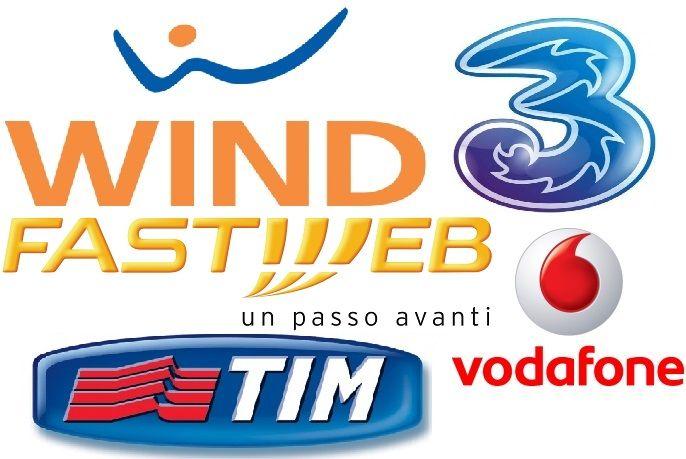 Le promozioni telefoniche per il Natale 2016 di Tim, Vodafone, Wind e 3